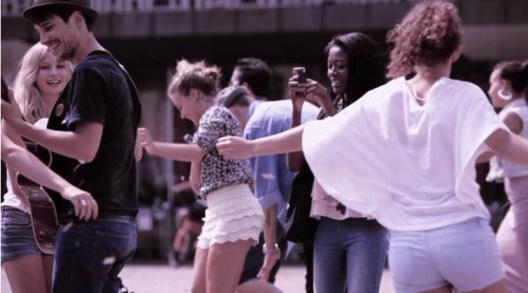 Neue Viva Banking Pakete lassen Credit Suisse-Kunden tanzen (Sponsored Video)