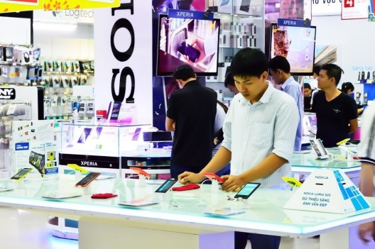 Sony Xperia style: Mittelklasse-Smartphone erscheint im Herbst 2014 ab 425 CHF