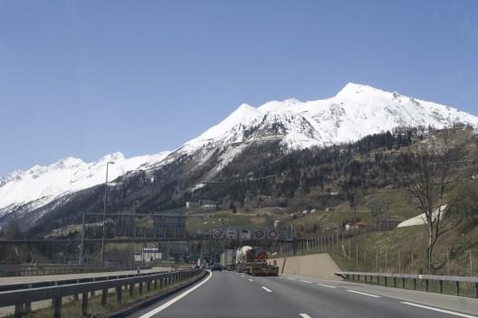Streit um neue Strassenzölle in der Schweiz – ein Mautvergleich der Alpenländer