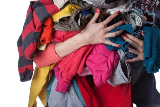 Aus alten Kleidungsstücken ein Trendoutfit machen – Klamotten-Upcycling