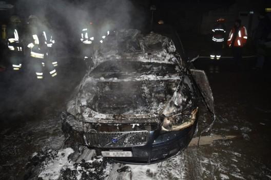 Scharans GR: Fahrzeug brannte in Garage – Totalschaden und grosser Gebäudeschaden