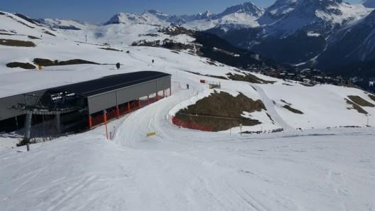 Arosa GR: Skifahrerin bei Kollision verletzt - Zeugenaufruf