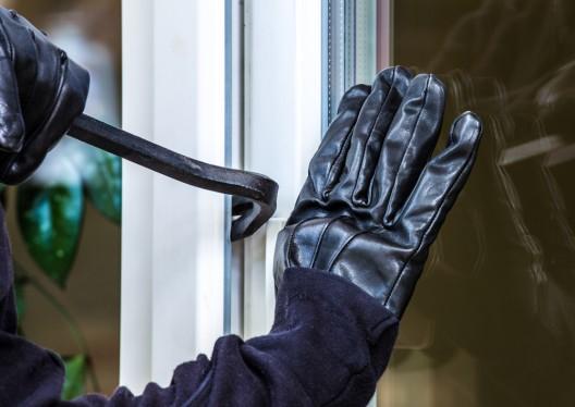 Buchs SG: Hausbesitzer überrascht zwei Einbrecher