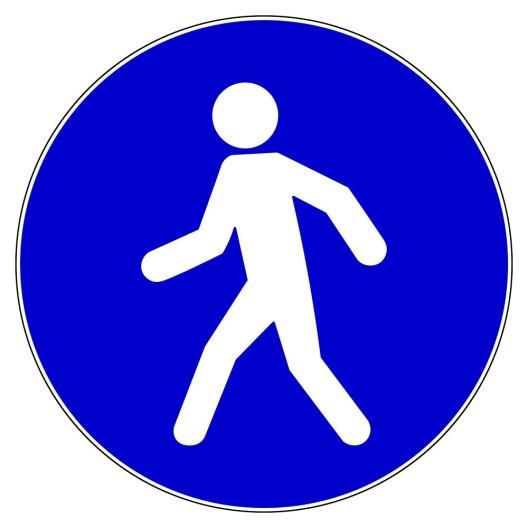 Liestal BL: Fussgänger (21) von Auto angefahren – Lenkerin (79) fuhr erst weiter