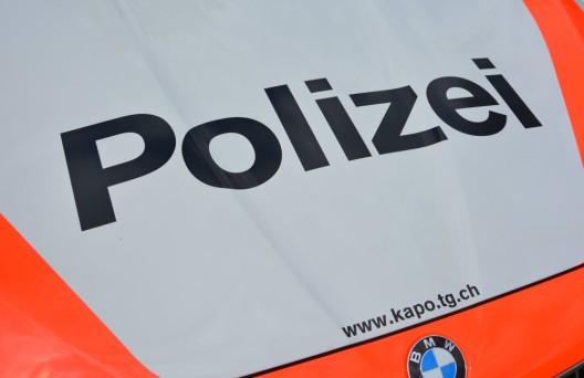 Schönholzerswilen TG: Motorradfahrerin nach Kollision ins Spital eingeliefert