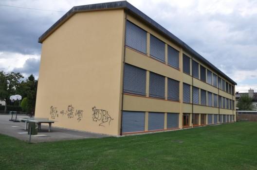 Fulenbach SO: Sprayereien beim Schulhaus und Werkhof - Polizei sucht Zeugen