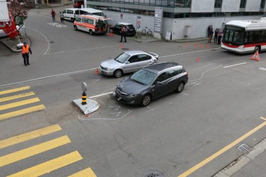 Stadt St.Gallen SG: Verletzte Person nach Auffahrunfall auf der Zürcher Strasse