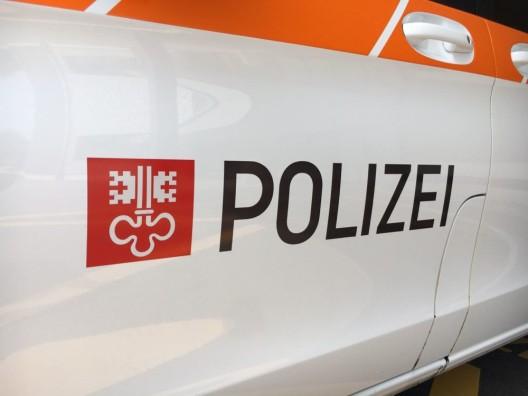 Hergiswil NW: Personenwagen und Radfahrer zusammengeprallt
