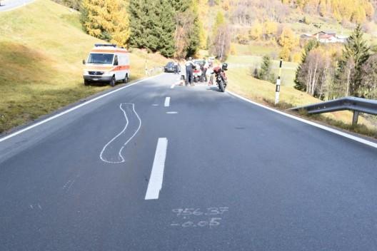 Susch GR / Flüelapass: Motorradfahrer (64) bei Selbstunfall verletzt