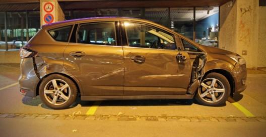Stadt St.Gallen: Führerloses Auto prallt in Objekte – erheblicher Sachschaden