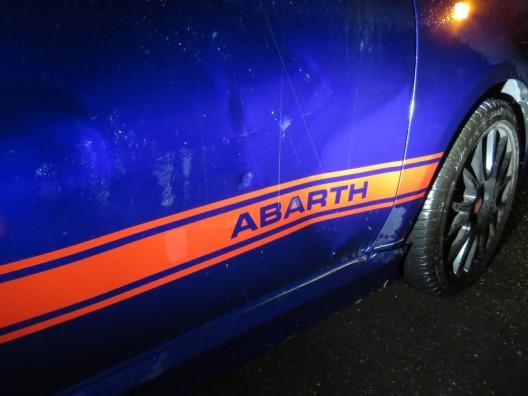Küttigen AG: Nach Kollision im Kreisverkehr davongefahren – Zeugenaufruf