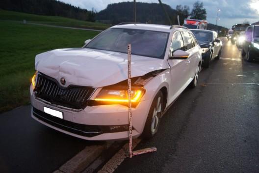 Baar ZG: Rückstau nach Unfall wegen mangelnder Aufmerksamkeit am Steuer