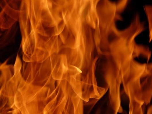 Allschwil BL: Flasche Brennsprit auf Grillplatz explodiert – Frau schwer verletzt