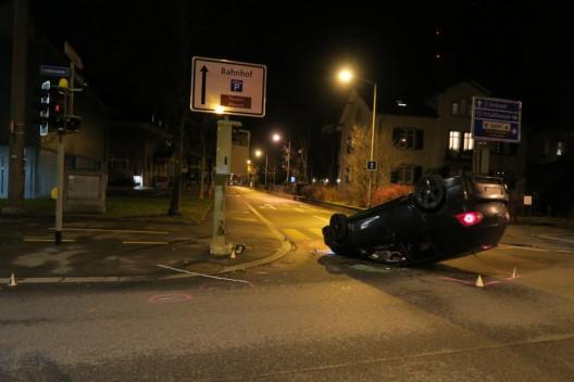 Winterthur ZH: Schlägerei, Flucht vor Polizei, spektakulärer Verkehrsunfall