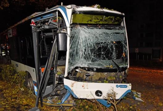 Zürich ZH / VBZ-Linienbus Linie 67: Vier Verletzte nach Busunfall im Kreis 3
