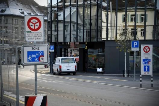 St.Gallen SG: Trotz Hinweisen wird Fahrverbot ab Bahnhofpärkli oft missachtet