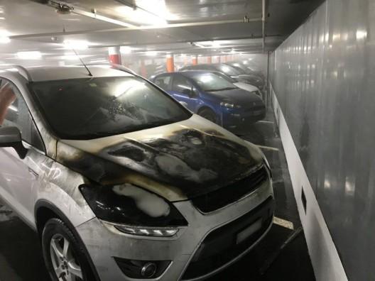 Holligen BE: Brennendes Fahrzeug im Insel-Parking – Parkhaus evakuiert