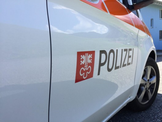 Beckenried/Hergiswil NW: Mit Sommerreifen ins Schleudern geraten – weiterer Unfall