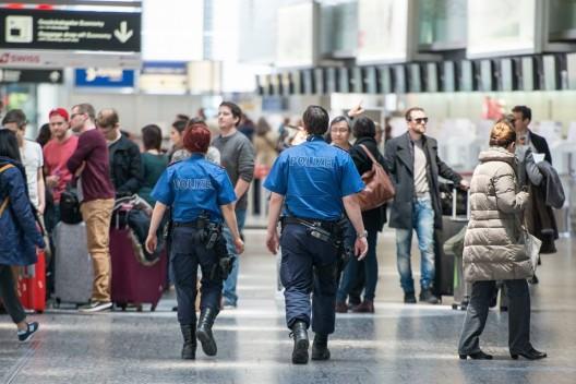 Flughafen Zürich: Türkischer Drogenkurier führte Kokain-Fingerlinge mit sich