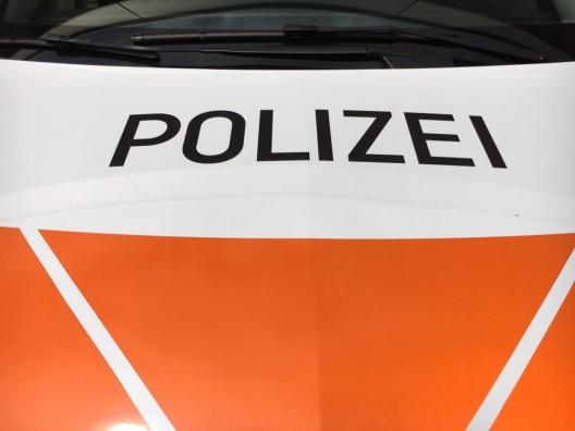 Stans NW: Motorradfahrer mit PW zusammengeprallt und verletzt