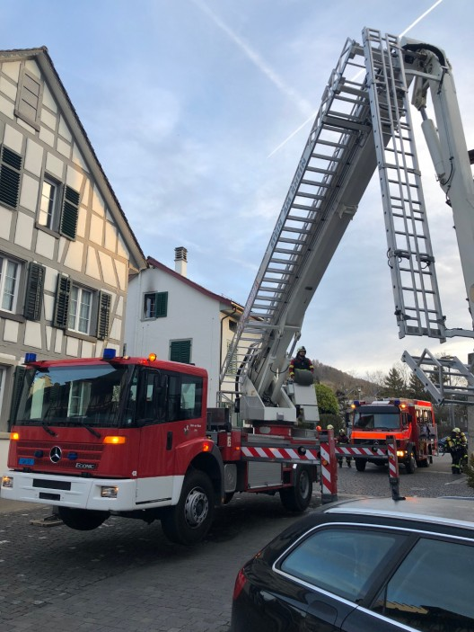 Stein am Rhein SH: Dachstockbrand von Feuerwehr rasch unter Kontrolle gebracht
