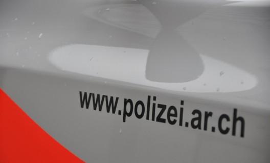Heiden AR: Velofahrerin (33) bei Kollision mit Autofahrer (20) verletzt