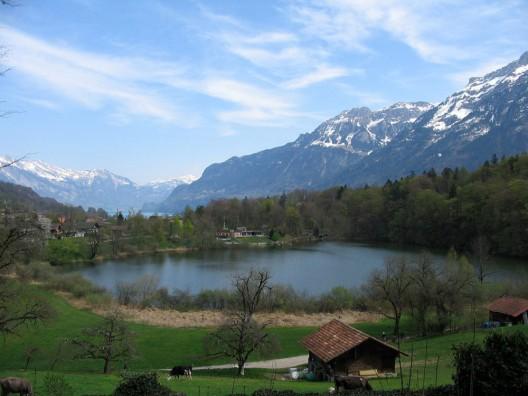 Goldswil bei Interlaken BE: Jugendlicher (13†) leblos aus Badesee geborgen