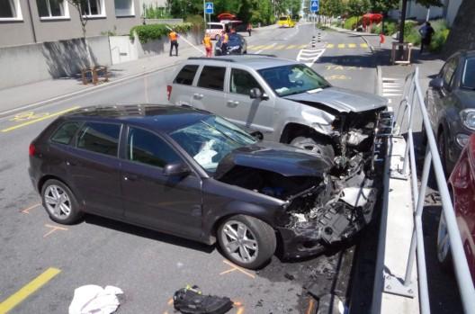 Stadt Chur GR: Zwei Personen bei Verkehrsunfall verletzt - niemand verletzt