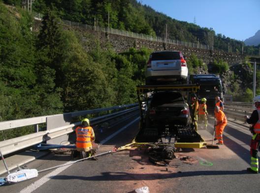 Silenen / Gurtnellen UR: Autotransporter verliert Anhänger – niemand verletzt