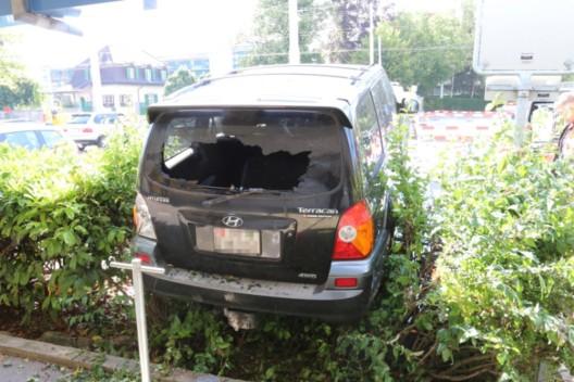 Stadt St.Gallen SG: Mit dem Auto durch die Hecke gefahren - Lenkerin verletzt