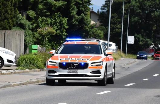 Steinerberg SZ: Rollerfahrerin bei Stürzen erheblich verletzt