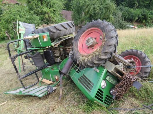 Leibstadt AG: Traktor überschlug sich - Rettungshelikopter im Einsatz