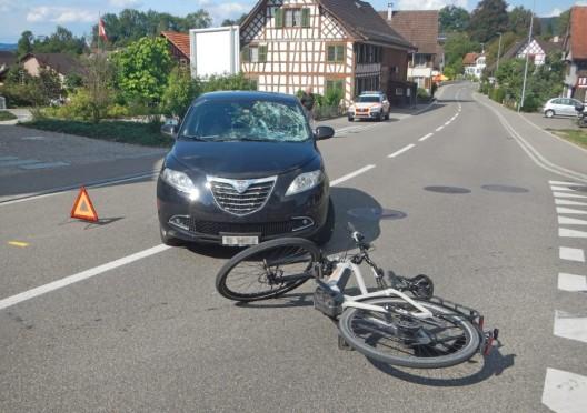 Bussnang (TG): Autolenker (22) übersieht E-Bike-Fahrer - 61-jähriger verletzt