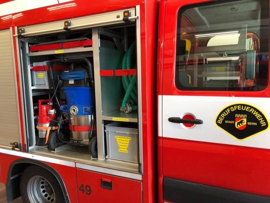 Bern BE: Besondere Einsatzvorführung der Feuerwehr auf dem Bundesplatz