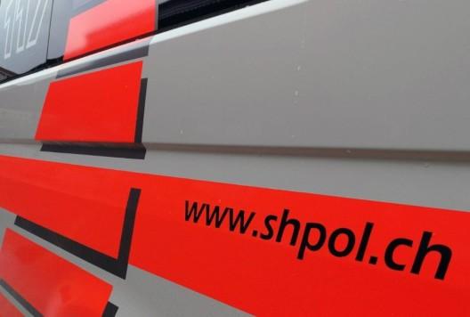 Schaffhausen SH: Verkehrsunfall zwischen einem Elektrokickboard und PW