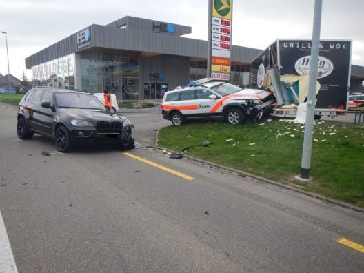 Roggwil TG: Mit Patrouillenfahrzeug verunfallt - Kantonspolizei sucht Zeugen