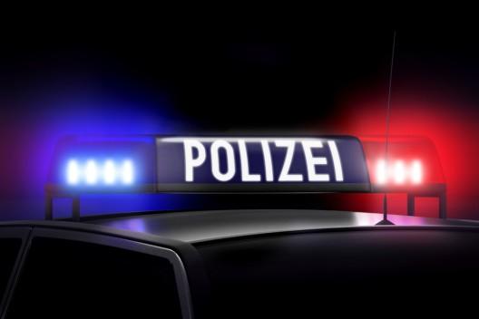 Autofahrer (20) rastet aus und bedroht anderen Autofahrer (27) mit Pistole