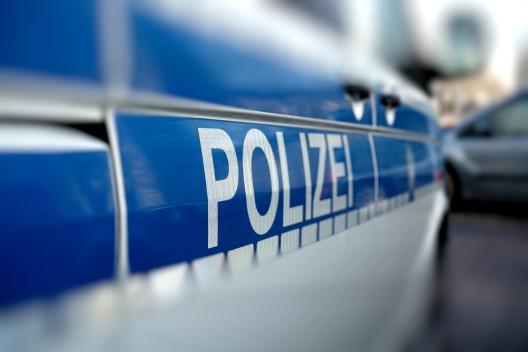 5-Jähriges Kind von Auto erfasst; lebensgefährlich verletzt