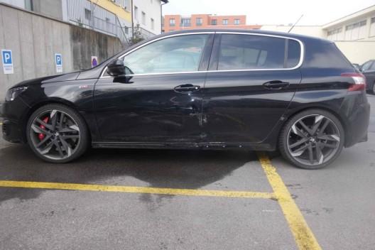 Lichtensteig SG: Unbekanntes Fahrzeug streift Auto beim Überholen – Zeugenaufruf