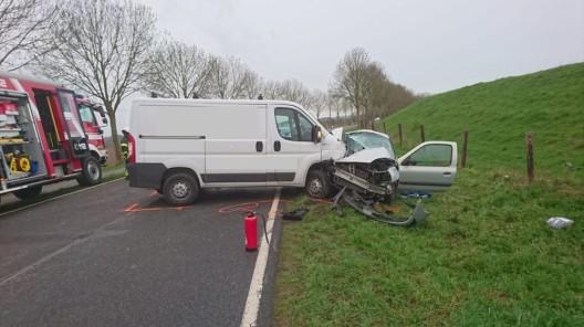 Verkehrsunfall: 22-jährige Fahrerin verstirbt an der Unfallstelle