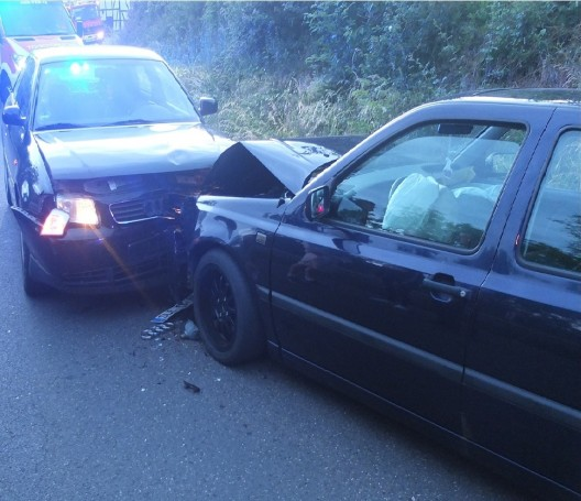 PKW gerät in den Gegenverkehr - Fahrer war betrunken
