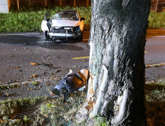 Knutwil – Ortsteil St. Erhard LU: Vier Personen bei Selbstunfall mit PW verletzt