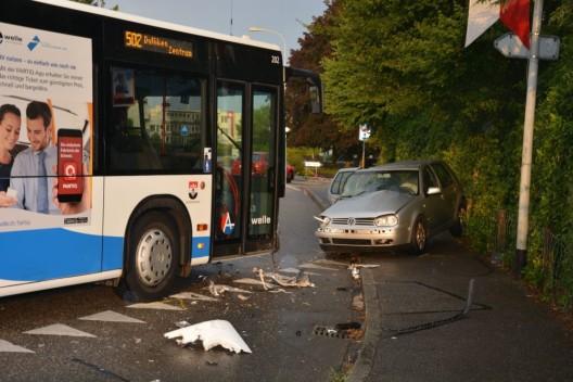 Dulliken SO: Automobilist gerät auf Gegenfahrbahn und prallt in Linienbus
