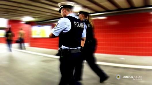 Delikte an Bahnhöfen: Deutscher schlägt Afrikaner, Nigerianer schlägt Landsfrau u. a.