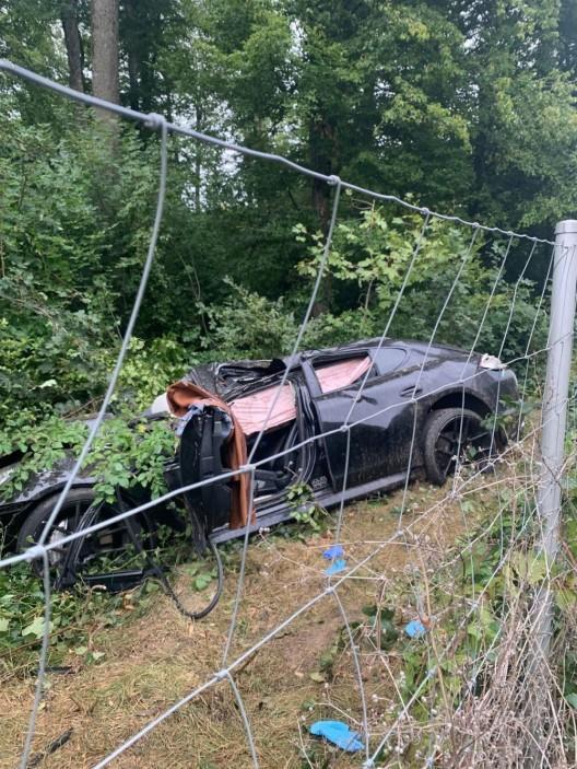 Suhr AG/A1: 28-jährige Autolenkerin bei Selbstunfall schwer verletzt