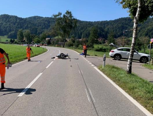 Turbenthal ZH: Töfffahrer (77) verletzt sich bei Unfall