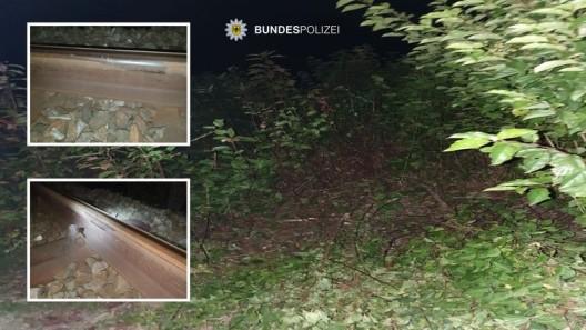 Betrunkener (23) fährt mit Pkw im Gleisbett und veranlasst Schnellbremsung