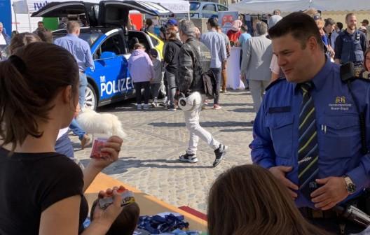 """Basel-Stadt BS: """"Blaulichttag 2019"""" lockt Gross und Klein auf den """"Seibi"""""""
