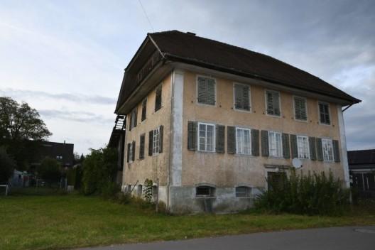 Waltenschwil AG: In leerstehende Häuser eingebrochen - Zeugenaufruf