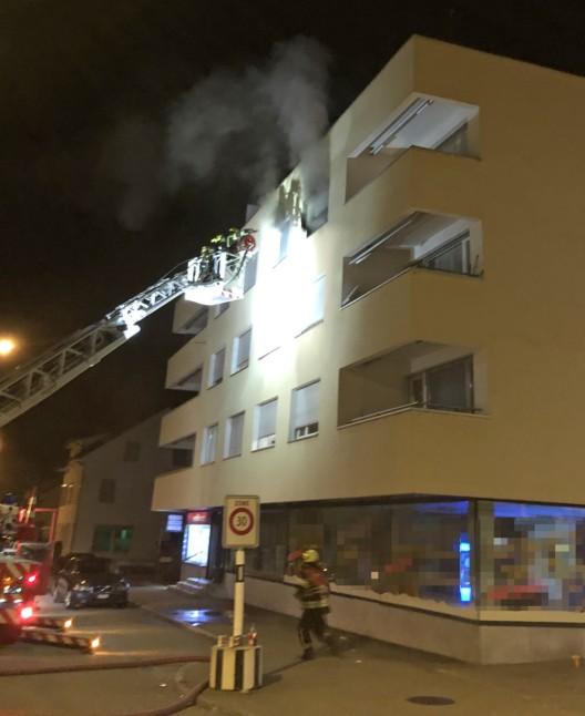 Weinfelden TG: Bewohner in einem Mehrfamilienhaus verletzt sich durch Brand